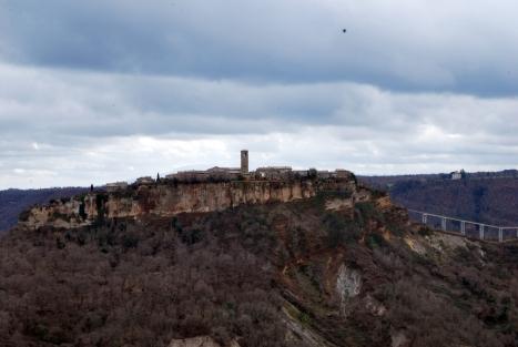 Civita vista da Lubriano