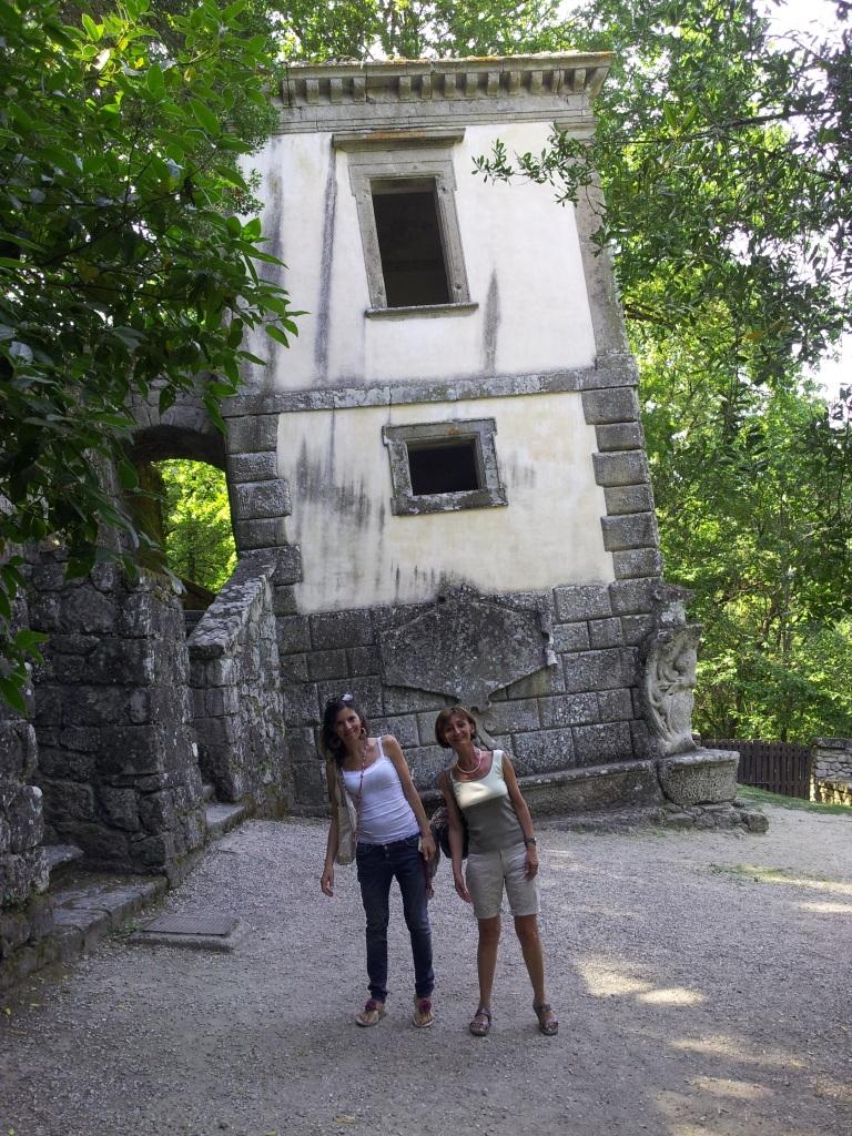 Parco dei Mostri - Casa pendente